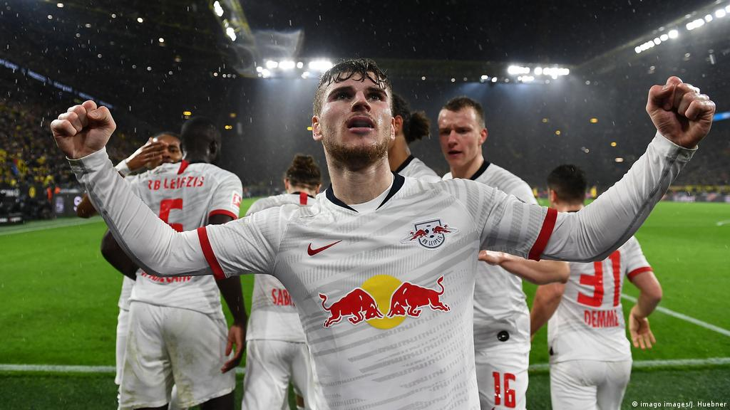 Bundesliga New Decade New Tune As Rb Leipzig Lead Challenge To Bayern Munich Sports German Football And Major International Sports News Dw 16 01 2020
