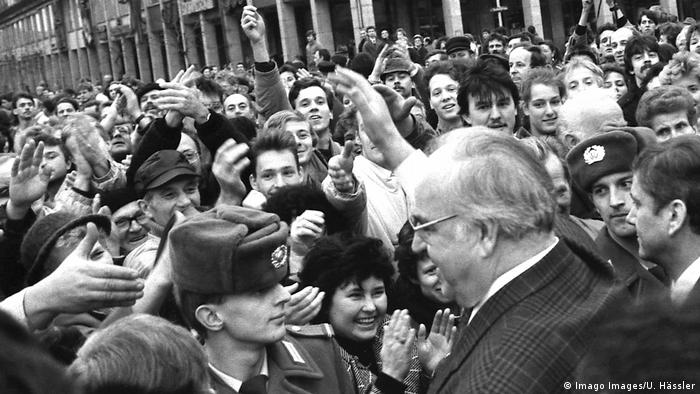 Dresden, December 19, 1989: A large crowd gathers near West German Chancellor Helmut Kohl. (Imago Images/U. Hässler)