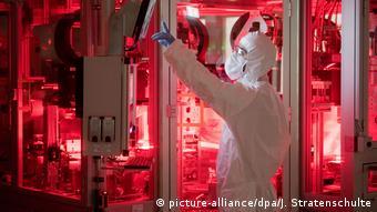 Производство аккумуляторных батарей на заводе Volkswagen в Зальцгиттере