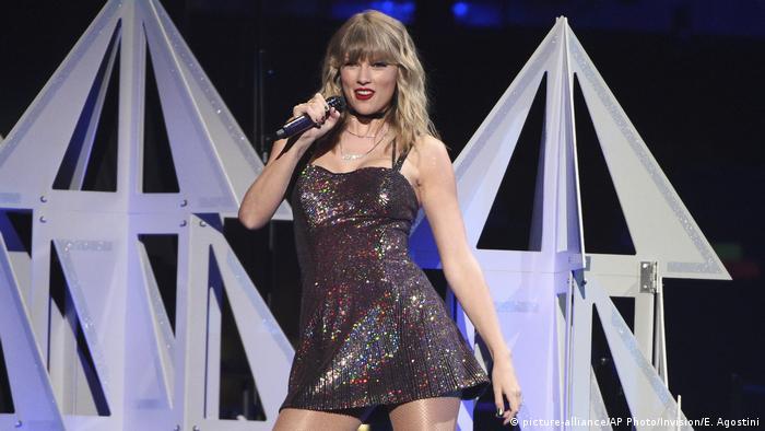 US-amerikanische Country-Pop-Musikerin Taylor Swift tritt an ihrem 30. Geburtstag auf