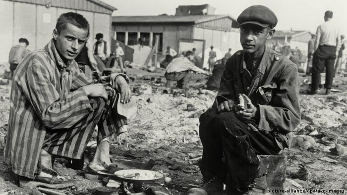 Концлагерь Дахау после освобождения. 30 апреля 1945 года