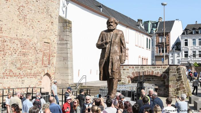 Trier | Von China gespendete Karl Marx Statue