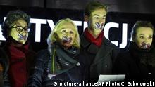 Demonstranten protestieren gegen Justizwechsel in Kielce