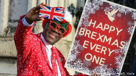 BdTD Großbritannien Brexit Befürworter Happy Brexmas (Imago Images/ZumaPress/D. Haria)