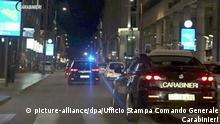 HANDOUT - 19.12.2019, Italien, Region Kalabrien: Polizeifahrzeuge in der Gegend um Vibo Valentinia (Standbild aus einem Video). Bei einer Maxi-Operation gegen die Mafia sind der Polizei in Italien Hunderte Verdächtige ins Netz gegangen. An der Aktion namens «Scott-Rinascita» gegen die kalabrische Ndrangheta waren rund 2500 Polizisten beteiligt. Güter im Wert von 15 Millionen Euro wurden beschlagnahmt. (Bestmögliche Qualität) Foto: -/Ufficio Stampa Comando Generale Carabinieri/dpa - ACHTUNG: Nur zur redaktionellen Verwendung und nur mit vollständiger Nennung des vorstehenden Credits +++ dpa-Bildfunk +++ |
