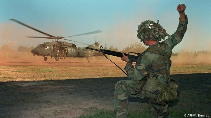 La Fuerza Aérea de EE. UU. usó armamento de última generación contra el poco equipado ejército panameño.