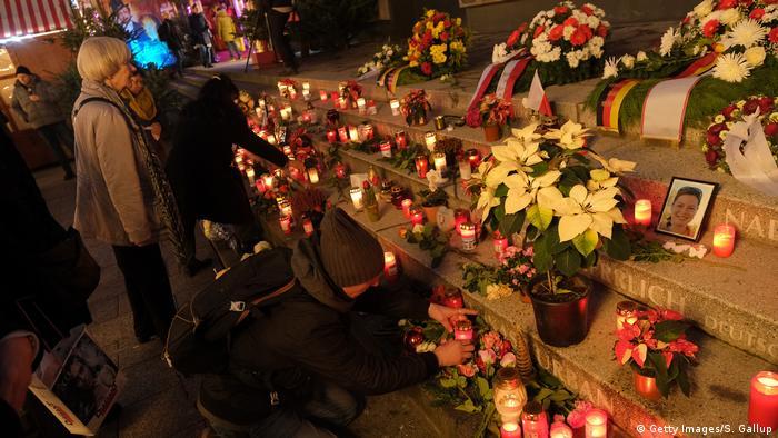 Candles at Breitscheidplatz (Getty Images/S. Gallup)