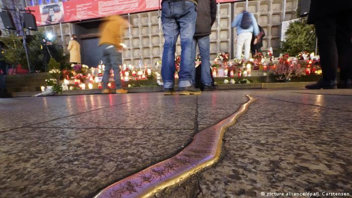 BdT | Gedenken am Breitscheidplatz in Berlin (picture alliance/dpa/J. Carstensen)