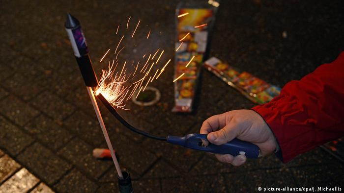 Deutschland | Silvester | Feuerwerk | Böller | Düsseldorf