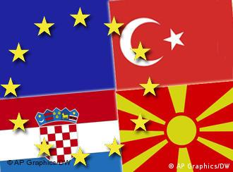 Flaggen der EU und der Beitrittskandidaten Kroatien, der ehemaligen jugoslawischen Republik Mazedonien und der Türkei (Foto: DW)