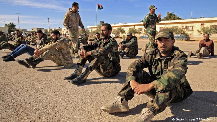 Kämpfer von General Khalifa Haftar in der Stadt Benghasi (Foto: Getty Images/AFP/A. Doma)