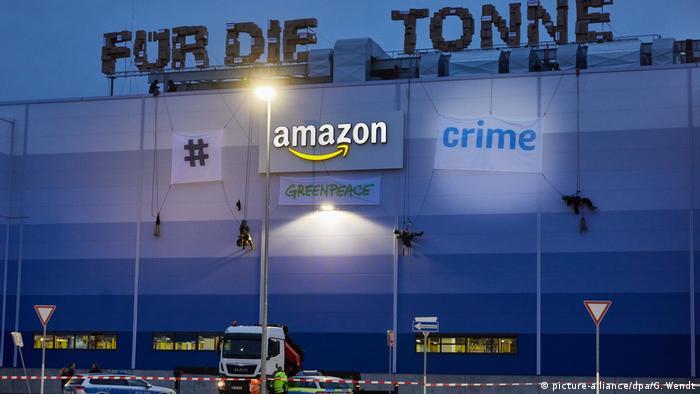 """Akcja protestacyjna Greenpeace przy okazji """"Amazon Prime Day"""""""