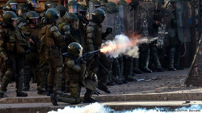 Represión policial en Chile durante manifestaciones de protesta. (20.12.2019).