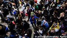 Frankreich Streik Rentenreform Fahrgäste