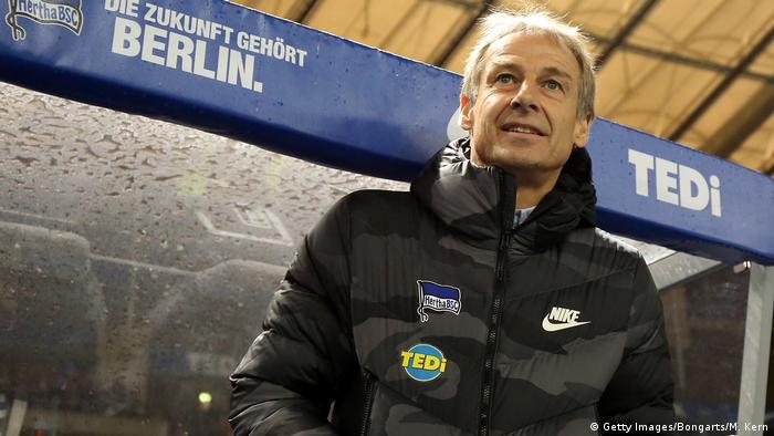 Fußball Bundesliga   Hertha BSC vs. Borussia Mönchengladbach   Jürgen Klinsmann