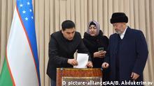 Usbekistan Parlamentswahlen Wahllokal