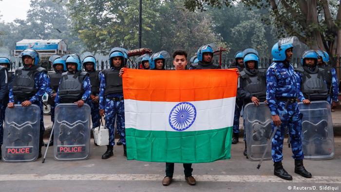 الشرطة تطوق احتجاجات في الهند على قانون منح الجنسية