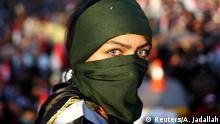 Irak Bagdad Frau bei Protesten