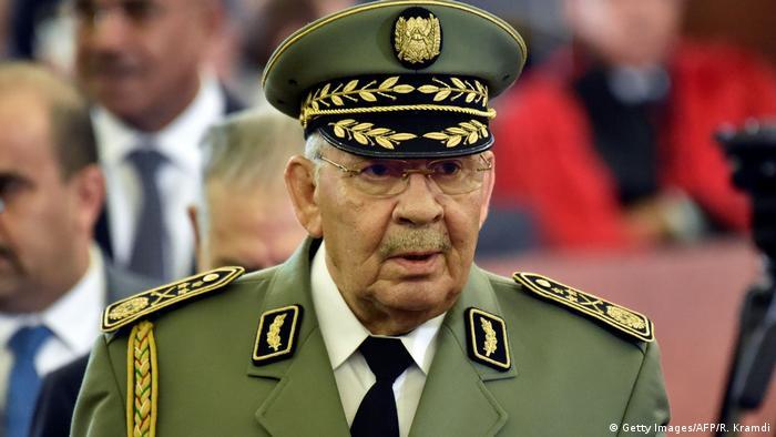 Algerien | Militärchef Ahmed Gaid Salah (Getty Images/AFP/R. Kramdi)