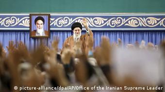 Ο ανώτατος πνευματικός ηγέτης Χαμενεΐ σε συγκέντρωση μελών των Φρουρών της Επανάστασης