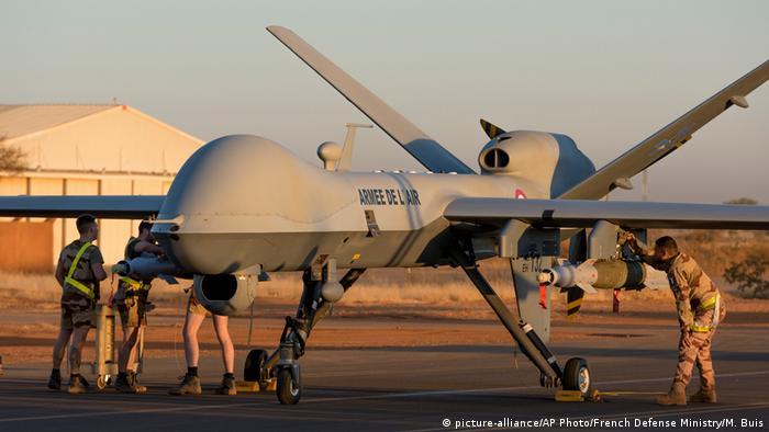 Un drone armé à Niamey