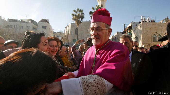 Патріарх Єрусалима П'єрбаттіста Піццабалла під час процесії