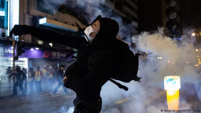 Hongkong | Proteste an Heiligabend (Getty Images/AFP/P. Fong)