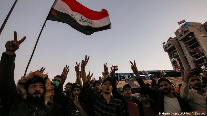 Irak l Parlament billigt neues Wahlgesetz - Proteste, Tahrir Square