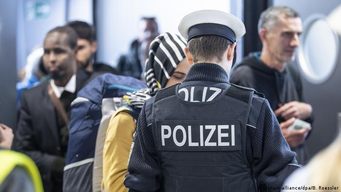 Germany to lower language requirements for federal police recruits