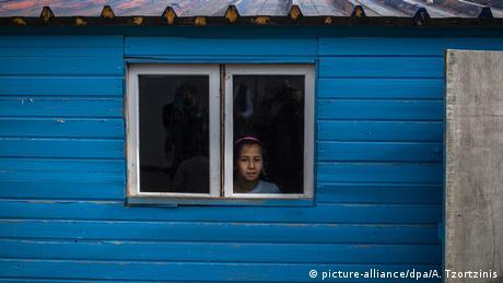 Προσφυγόπουλα από το Αιγαίο στο ...Πότσνταμ