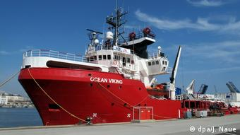 Europa Migration l Seenotrettung im Mittelmeer - Ocean Viking im Hafen von Marseille