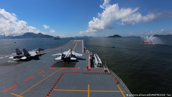 Hong Kong | Flugzeugträger