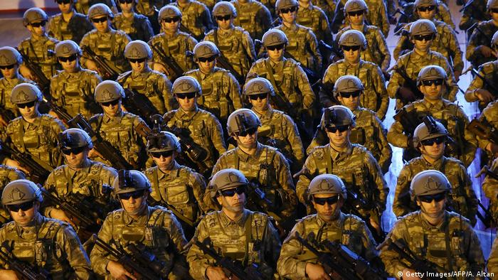 Türkei l Erdogan will Truppen nach Libyen schicken - Special Forces, Spezialeinheit (Getty Images/AFP/A. Altan)