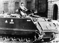 25 de marzo de 1976, en Buenos Aires, un día después del golpe que derrocó a Isabel Perón y el comienzo de uno de los periodos más negros de la historia argentina.