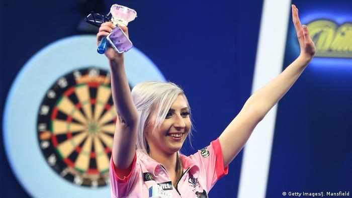PDC World Darts Championships 2019 | Fallon Sherrock, England (Getty Images/J. Mansfield)