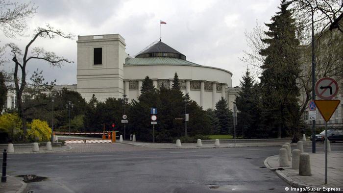 Polen: Parlamentsgebäude in Warschau (Imago/Super Express)