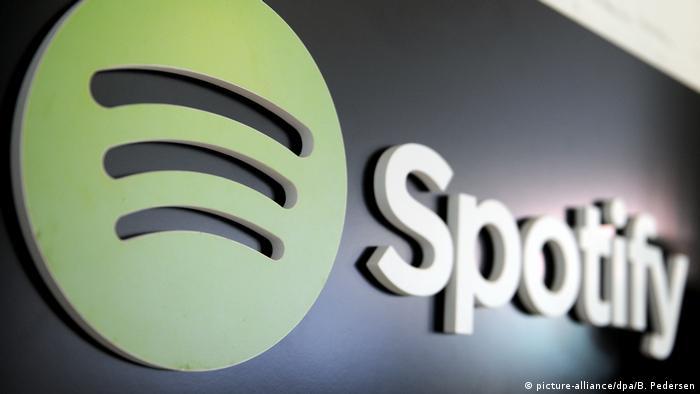 Symbolbild - Musikstreamingdienst Spotify (picture-alliance/dpa/B. Pedersen)