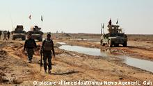 (191126) -- LASHKAR GAH, Nov. 26, 2019 (Xinhua) -- Afghan security force members take part in a military operation in Marja district of southern Helmand province, Afghanistan, Nov. 25, 2019. More than 40 Taliban militants have been killed within past 24 hours as the Afghan army, backed by air force and NATO-led coalition's aircraft, continued to pound militants by conducting daily operations, the Afghan Defense Ministry said Tuesday. (Photo by LASHKAR GAH/Xinhua) | Keine Weitergabe an Wiederverkäufer.