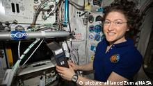 ISS-Expedition 61 Astronautin Christina Koch 3-D Bioprinter