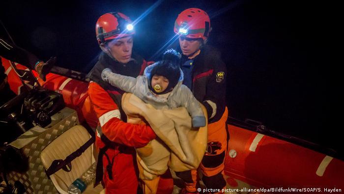 Rescatistas del barco Alan Kurdi. Imagen de archivo.