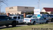 (191229) -- FORT WORTH (U.S.), Dec. 29, 2019 (Xinhua) -- Police cars are seen outside a church where a shooting occurred near Fort Worth of Texas, the United States, on Dec. 29, 2019. Two people were killed and another in critical condition in a shooting Sunday morning at a church in northern Texas, the United States, according to the local media. (Photo by Dan Tian/Xinhua) | Keine Weitergabe an Wiederverkäufer.