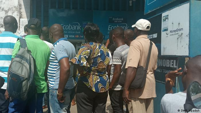 A queue before an ATM in Monrovia