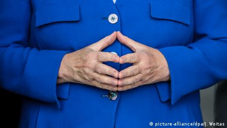 Angela Merkel | Geste (picture-alliance/dpa/J. Woitas)