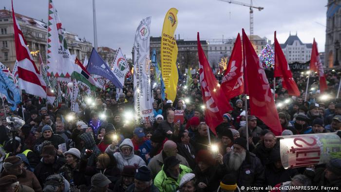 BG Streik in Europa 2019 l Protest gegen die Verabschiedung des neuen Arbeitsgesetzes, Ungarn