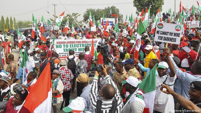 Demonstration gegen Strompreis-Anstieg in Nigeria
