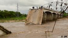 Brücke am Fluß Montepuez, in Cabo Delgado, Mosambik, nach Überschwemmungen