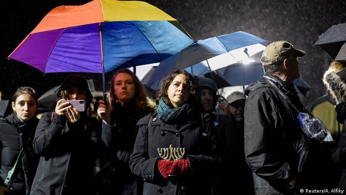 Oameni solidari cu victimele atacului din Monsey, New York