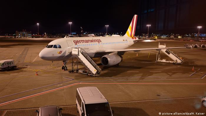 Strike at Germanwings (picture-alliance/dpa/H. Kaiser)