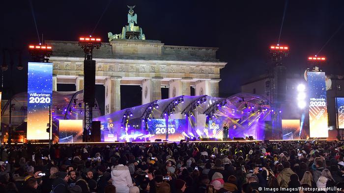 Preparations at the Brandenburg Gate in Berlin (Imago Images/Photopress Müller)