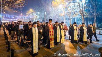 Montenegro Proteste gegen umstrittenes Kirchengesetz in Podgoria (picture-alliance/AA/M. Vujovic)